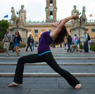 Gloria offers yoga sessions for small groups or for corporate affairs. Contact Gloria to organize an event today.